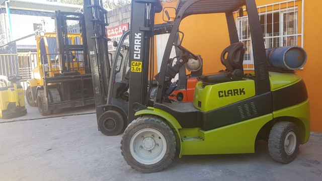 Aluguel Empilhadeira Hyster Yale Clark Toyota