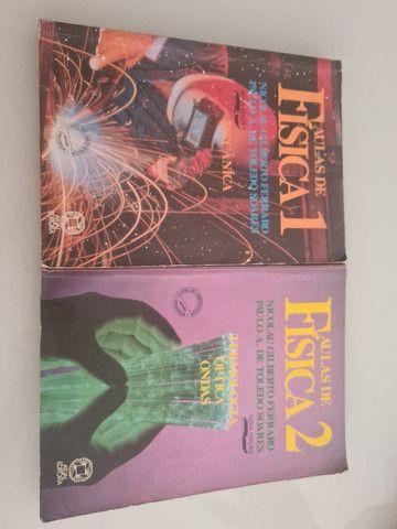 Vendo 2 livros de Física