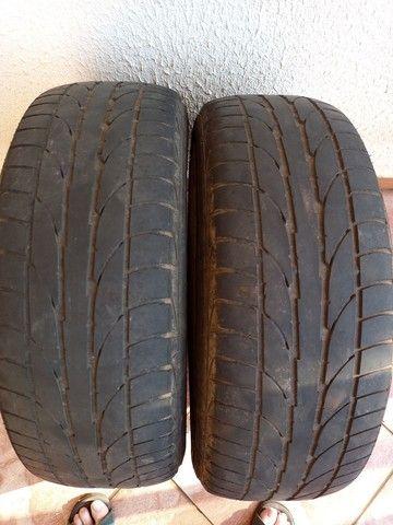Vendo 2 pneus F 900 meia vida