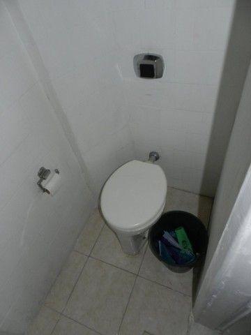 Aluguel apartamento fundos 2 quartos Rua Noronha Torrezão 370 Santa Rosa, Niterói. - Foto 19