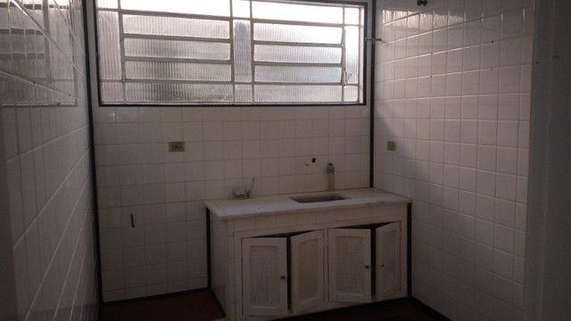Casa centro de Rio das Ostras linear 03 quartos com vaga p 5 carros e quintal - Foto 16