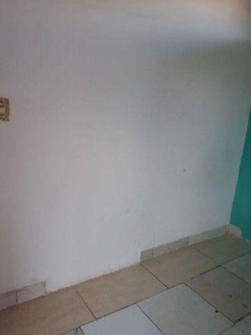 ALUGA-SE QUARTO COM BANHEIRO PROX AO RIO FORMOSO - Foto 2