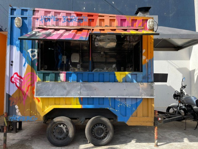 Food Truck com Churrasqueira