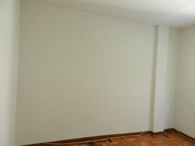 Aluguel apartamento fundos 2 quartos Rua Noronha Torrezão 370 Santa Rosa, Niterói. - Foto 3