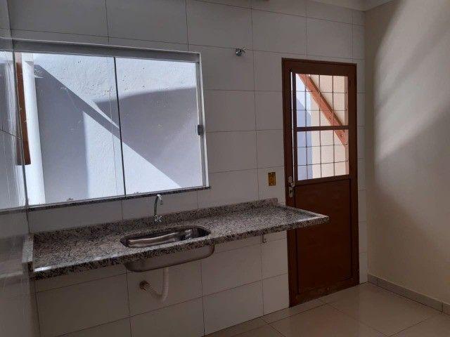 Linda Casa Nova Campo Grande com 3 Quartos No Asfalto - Foto 8