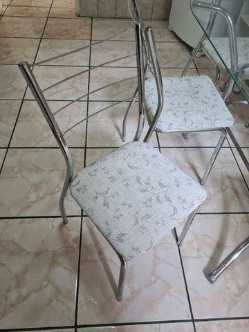 Mesa com 6 cadeiras seminova  - Foto 4