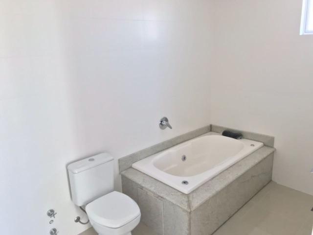 Excelente Apartamento no Centro de Balneário Camboriú - 03 Suítes sendo uma Master - Novo - Foto 11
