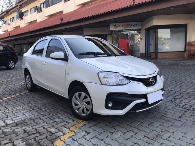 Toyota Etios Sedan 1.5 X Automático 2018