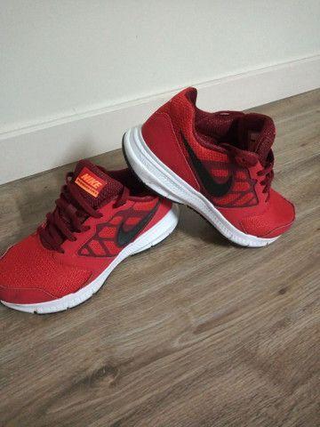Tênis Nike, tamanho 34, original - Foto 4