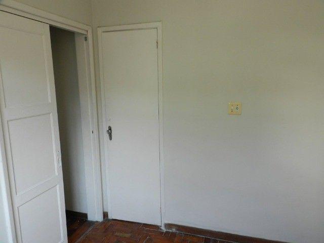 Aluguel apartamento fundos 2 quartos Rua Noronha Torrezão 370 Santa Rosa, Niterói. - Foto 12
