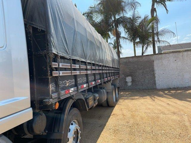 Mb Atego 2428 ano:12,prata,teto alto,bi-truck 8x2,com carroceria Graneleira ,ótimo estado  - Foto 6