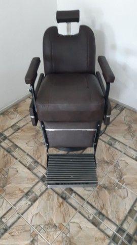 Cadeira de Barbeiro Ferrante. - Foto 6