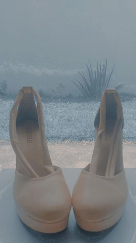 Sandália de salto, tipo tamanco