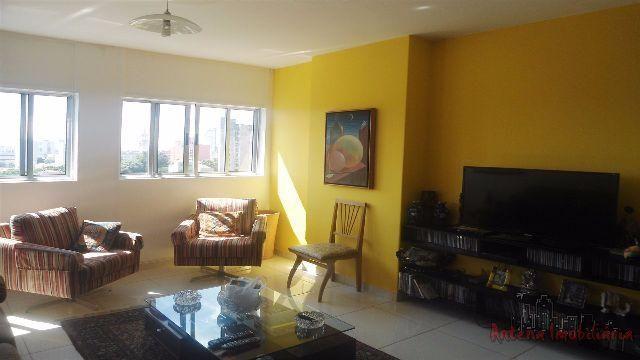 Vende-se apartamento com 3 quartos perto do metrô Santa Cecília - *aceitamos propostas