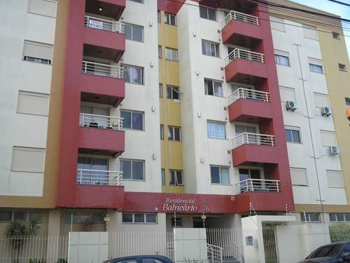 Apartamento de 3 dormitórios no Estreito