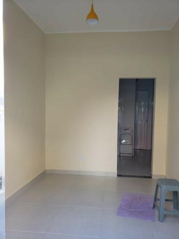 Alugo casa totalmente reformada - Irajá - R$ 700,00