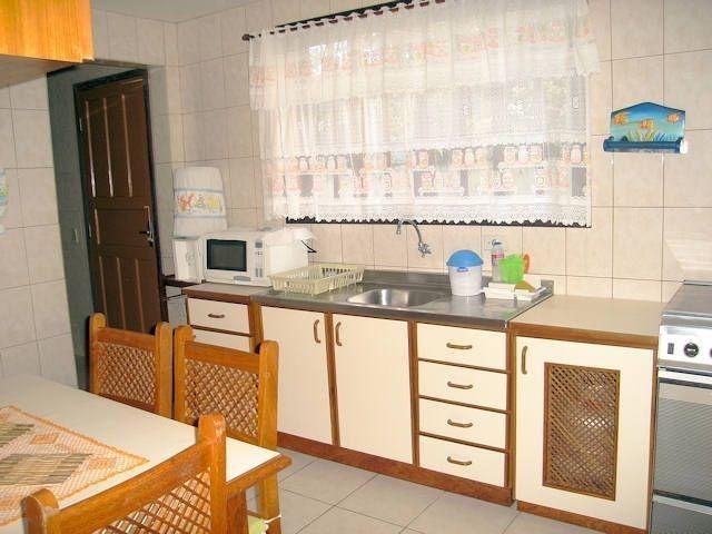 Casa com piscina em Itapoá ,3 quartos(1 suíte), ar, wifi, monit. 24h, 60 metros da praia - Foto 9