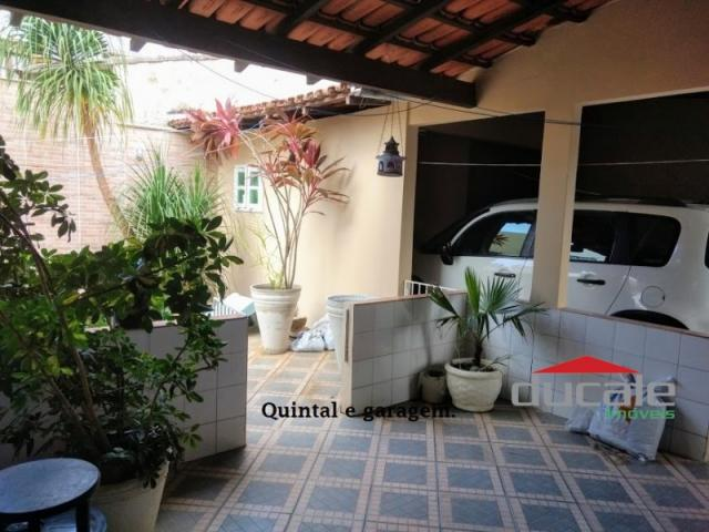 Vende-se Casa grande com Quintal em Jardim Camburi