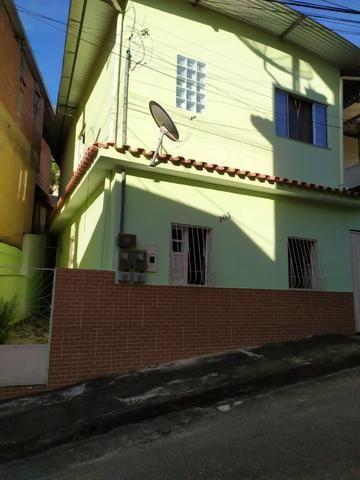 Vendo duas Casas no mesmo terreno, com entradas independentes, Òtimo Preço! - Foto 2