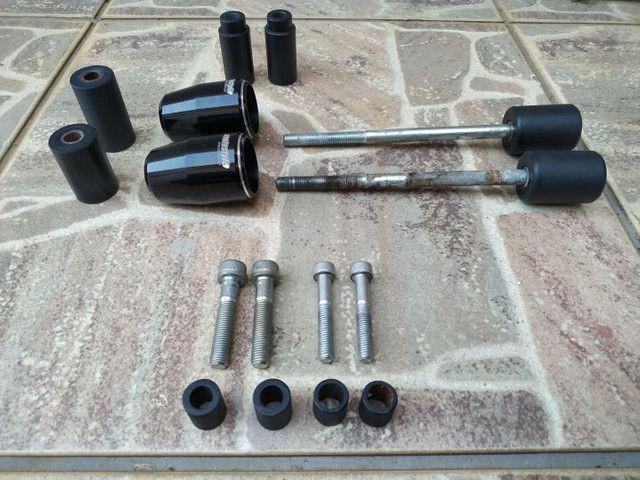 Slider CB 650F preto, usado, perfeitamente funcional - Foto 3