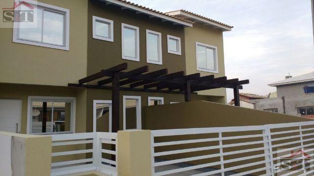 S&T=RIO Vermelho Linda casa com 03 dorm com otimo patio/ligue já 48-996672865