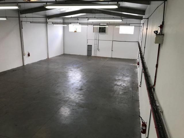 Galpão para locação em Palhoça 650 m² com mezanino - Foto 3