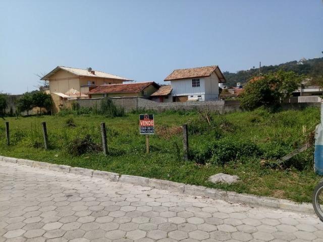 Ótimo terreno com 528 m2 na Praia de Bombas - Investimento garantido - Foto 3