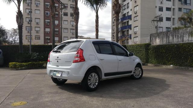 Renault Sandero Privilege 1.6 16v Automático - Foto 2
