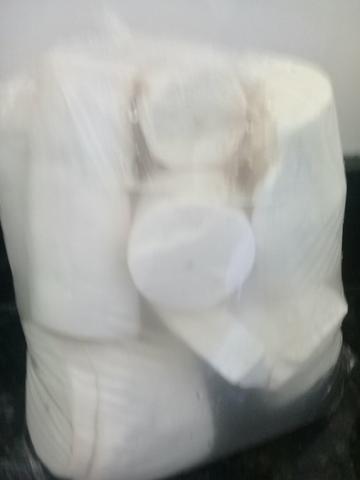 Mandioca branca descasca 2,50 entrego acima 10 kg ( Anapolis )