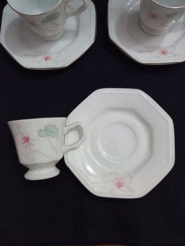 Conjunto de porcelana Schmidt para cafezinho.<br>