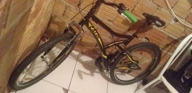 Vendo está linda bicicleta Caloi nova tudo horiginal no valor de 400reais