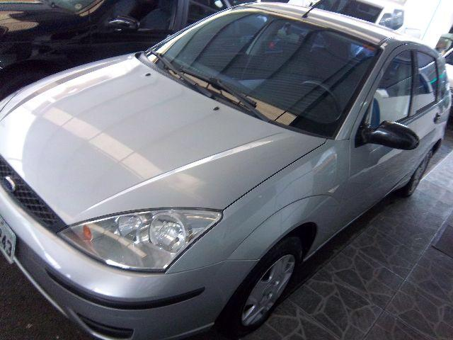 FORD FOCUS HATCH 1.6 2004 COMPLETO IMPECAVELLLL