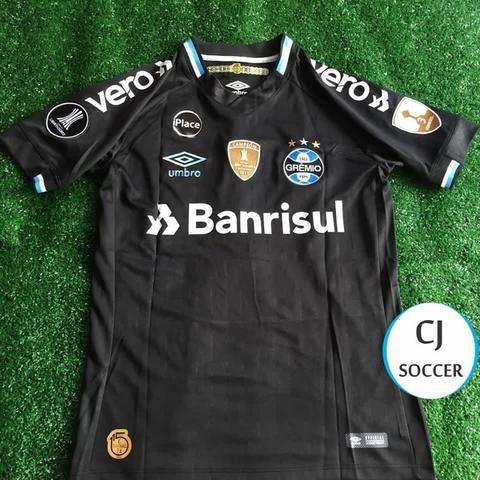 0da81b4550bfa Camisetas de Futebol   Camisetas Grêmio e Inter - Nova com Etiquetas ...