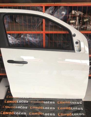Porta dianteira Fiat Mobi - Foto 2