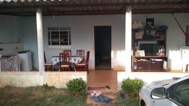 Casa Sol Nascente com asfalto, água, Luz