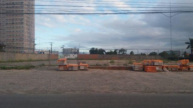 Área com 20.000m² no Barro Duro ao lado do Hiper Comercial - Foto 2