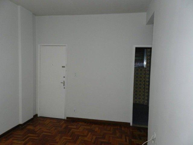 Aluguel apartamento fundos 2 quartos Rua Noronha Torrezão 370 Santa Rosa, Niterói. - Foto 2