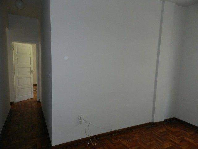 Aluguel apartamento fundos 2 quartos Rua Noronha Torrezão 370 Santa Rosa, Niterói. - Foto 5
