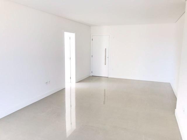 Excelente Apartamento no Centro de Balneário Camboriú - 03 Suítes sendo uma Master - Novo - Foto 6
