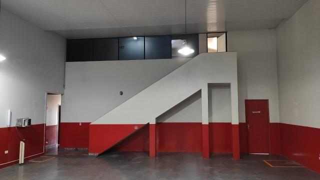 Excelente Oportunidade para Empresas: Aluga-se Barracão em Campo Mourão/PR - Foto 3