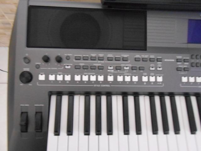 Teclado Yamaha PSR S670 - Foto 3
