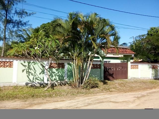 Código 222 - Casa com 3 quartos, terreno com 1000m2 em Bambuí - Maricá