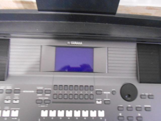 Teclado Yamaha PSR S670 - Foto 2