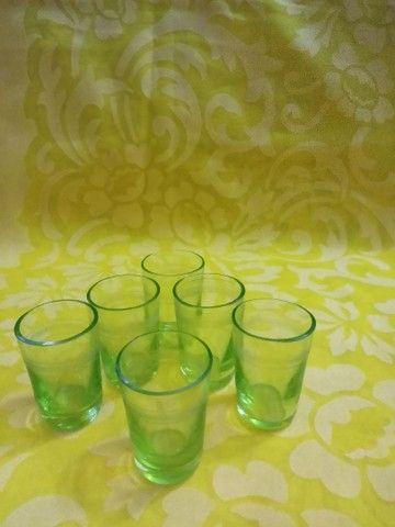 Antigo conjunto para licor contém seis licoreiras é um suporte.<br> - Foto 2