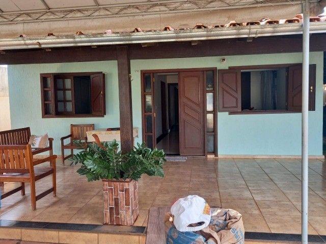 Casa com 185 m² em Lote de 390 m² no Parque JK, 3 quartos sendo 1 suíte. R$ 365.000,00.