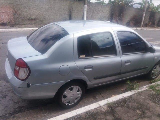 Clio sedan 1.0 - Foto 2