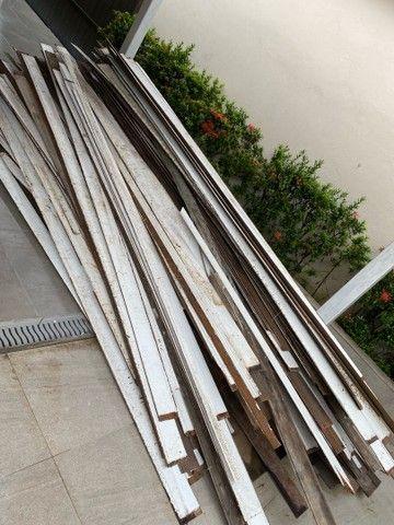 Vendo aproximadamente 100 metros quadrados de forro em madeira em bom estado -Angelim  - Foto 5