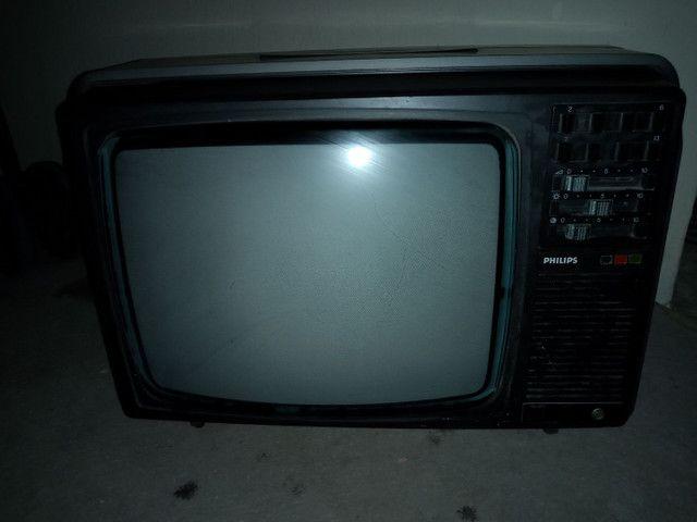 TV antiga p de coração leia a baixo