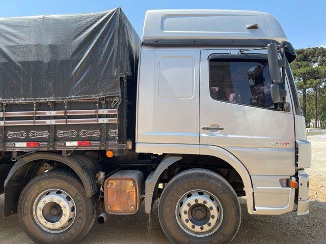 Mb Atego 2428 ano:12,prata,teto alto,bi-truck 8x2,com carroceria Graneleira ,ótimo estado  - Foto 12
