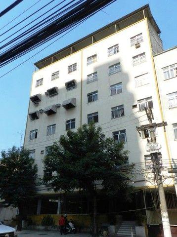 Aluguel apartamento fundos 2 quartos Rua Noronha Torrezão 370 Santa Rosa, Niterói.